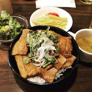ポーク丼(ベルサイユの豚 九段下)