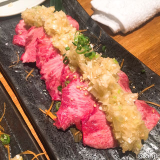 新鮮 牛タン刺し(よし臓 )