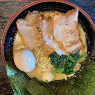 特盛スペシャル豚骨醤油ラーメン(横浜家系ラーメン 一蓮家 )