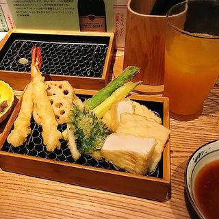 トマトとモッツアレラのカプレーゼ(喜久や 恵比寿店(kikuya))