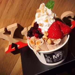 木苺とホワイトチョコ(マンハッタンロールアイスクリーム)