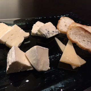 チーズ盛り合わせ(KENZO ESTATE 銀座店)