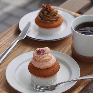 桜のカップケーキ(Bonnys Bake Shop)