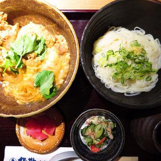 秋田比内地鶏の親子丼と稲庭ミニうどん御膳(佐勘 梅田店 )