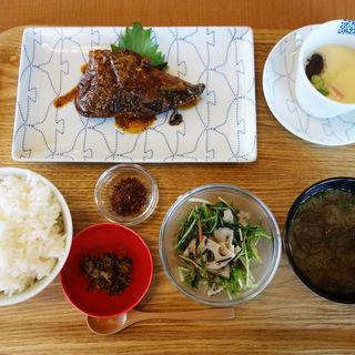 サバのぬか味噌炊き定食