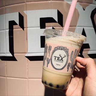 ほうじ茶ミルクティー regular(ALFRED TEA ROOM青山本店)