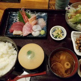 お刺身定食(海の台所 大波屋 (おおなみや))