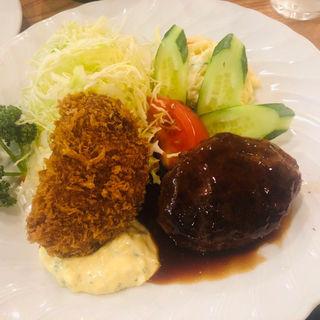 ハンバーグ&カニクリームコロッケ(ランチ)(洋食大吉)