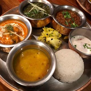 本日のカレー三種(シバカリー ワラ (shiva curry wara))