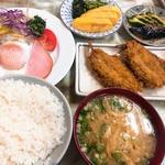 イワシフライ定食 (玉子焼き 漬物 オプションで)
