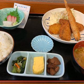ミックスフライ定食(おさしみや )