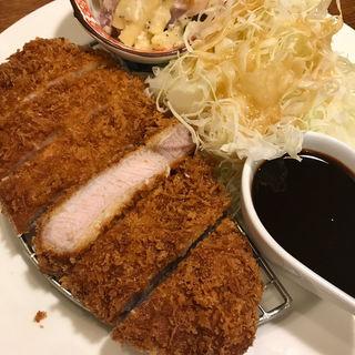 ポークカツ定食(サル食堂 )