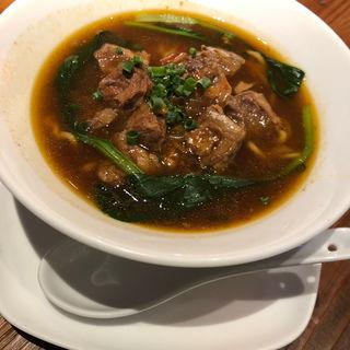 劉ママの牛肉麺(騒豆花)