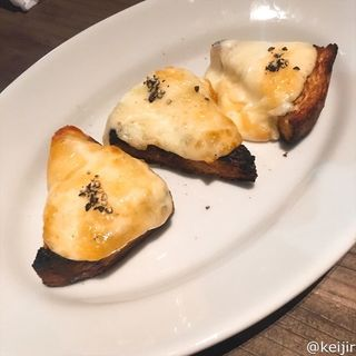 カチョカヴァロチーズブルスケッタ 1p(RODEO & Cafe)