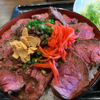 牛ハラミステーキ丼大盛り(ニク酒場ミツ)