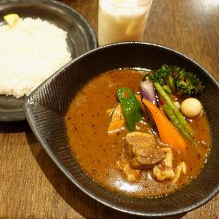 角煮to野菜カレー(lavi 新千歳空港店)