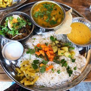 2種盛り バナナ海老と樹豆/マトンひき肉とネパール胡椒(スパイス・ツリー)