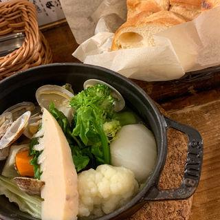 季節の魚と旬野菜のココット蒸し(グレーヌマルシェ 野毛店 (Bistro Graine Marche))