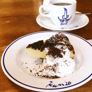 トーンチーズケーキ(パーラークニオ)
