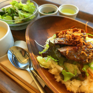 牛ロースステーキ丼 オニオンソース(Cafe Restaurant CREAM )