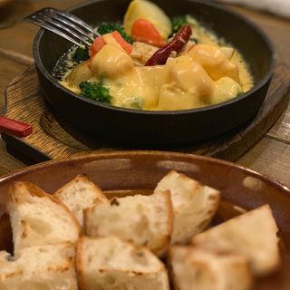 春野菜と明太子のアチージョ(バケット付き)