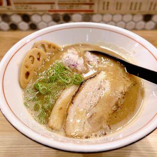 煮干しとんこつラーメン(麺や BEATLES)