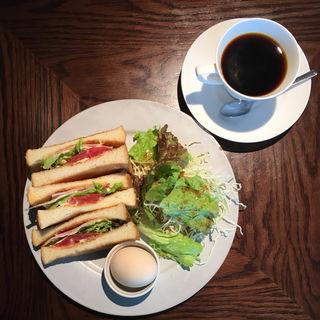 ハムトーストモーニング(カフェ BAMBOOHOUSE)