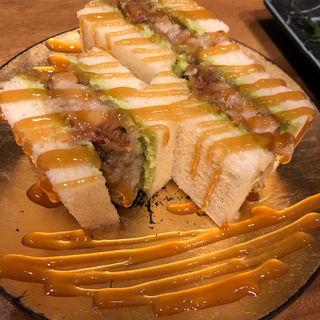 角煮サンド(メデ・イタシ)