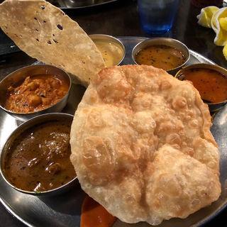 ランチミールス(ダバインディア (Dhaba India))