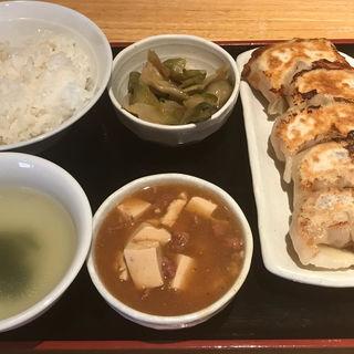 焼餃子定食(居酒屋 餃子のニューヨーク )