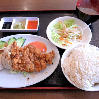 新-海南鶏飯(ハーフ&ハーフ)(新 海南鶏飯)