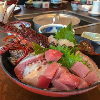 伊勢海老海鮮丼(9月中旬~5月上旬の昼数量限定)