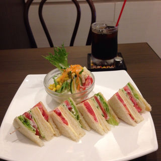 野菜とチーズのホットサンド(コロラドコーヒー )