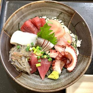 海鮮丼(めしやっちゃん)