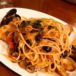 本日の貝類とチェリートマトのペスカトーレ風リングイネ (ランチ)