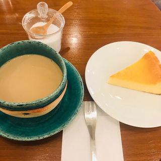 カフェオレケーキセット(コトナコーヒー (KOTONA COFFEE))