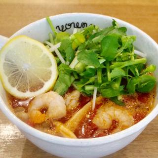 春野菜のトムヤムトマト麺(ラーメンやんぐ)