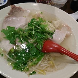 ワンタン麺(揚子江ラーメン 名門 )