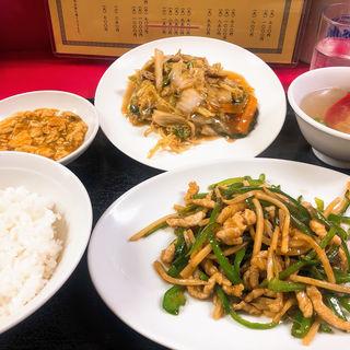 チンジャオロース定食(オプションでミニ焼きそば+200)(中華料理 花蓮 )