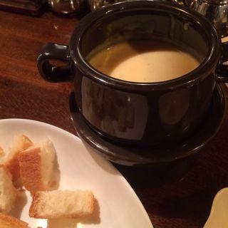 特製チーズフォンデュ〜フランスパン付き〜(ケンジントン )