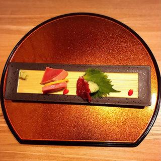 本鮪と熊本産馬刺しのお造り(肉割烹 幹)