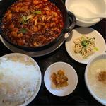 四川麻婆豆腐定食(大傳月軒 (だいでんげっけん))
