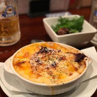 神戸野菜たっぷり牛すじラグー&三種チーズのクリームグラタン(お肉と神戸野菜とワインとチーズ TOROROSSO (トロロッソ))