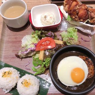 オリジナルグレービー ロコモコプレート(ハワイアン レストラン モアナキッチン ユニバーサルシティウォーク店)