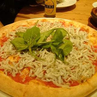 シラスのピザ(ビッレリア&ピッツェリア ルーチェ (LUCE))
