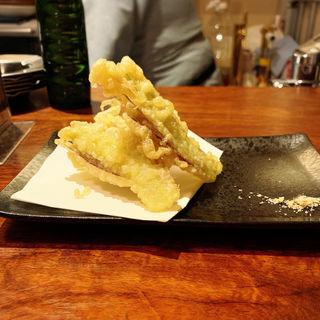 ミョウガの天ぷら(メシ酒場 鈴木ちゃん)