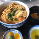 カツ丼(汁物付)
