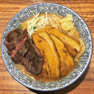 らーめん+牛ステーキ(ラーメン燈郎)