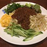 ジャージャー麺とミニ中華丼