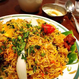 ビリヤニセット(柔らかラムビリヤニ)(ハリマ ケバブ ビリヤニ (Halima kebab biryani))